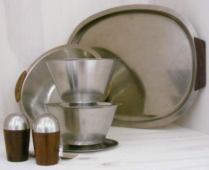 homeware-selection-of-stainless-steel-and-wood